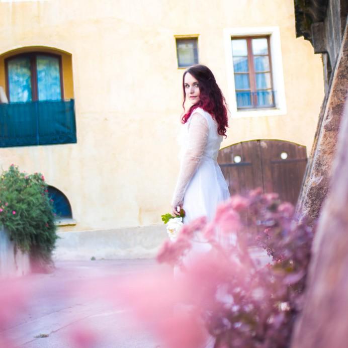 Robe de mariée romantique Illona en balade dans Lambesc