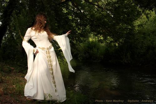Robe de mariée médiévale celtique 3
