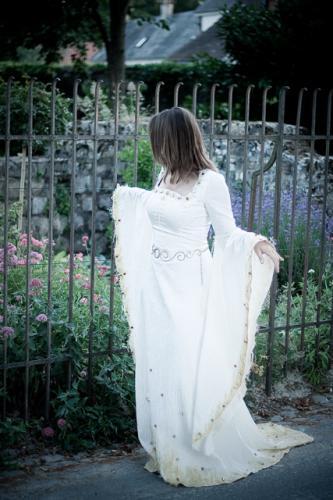Robe de mariée médiévale elfique Bordeaux Arcachon 03