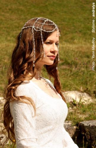Robe de mariée médiévale elfique Dame Blanche 03