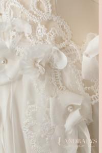 Détail du travail fait main sur la robe de mariée féerique Narture Morte à Bordeaux