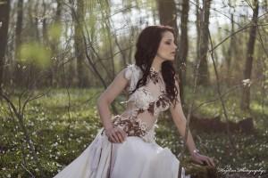Robe de mariée féerique sur-mesure. Fait main à Bordeaux