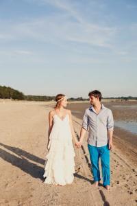 Robe de mariée bohème, hippie chic réalisée en coton doux et léger et d'une très belle dentelle rétro.