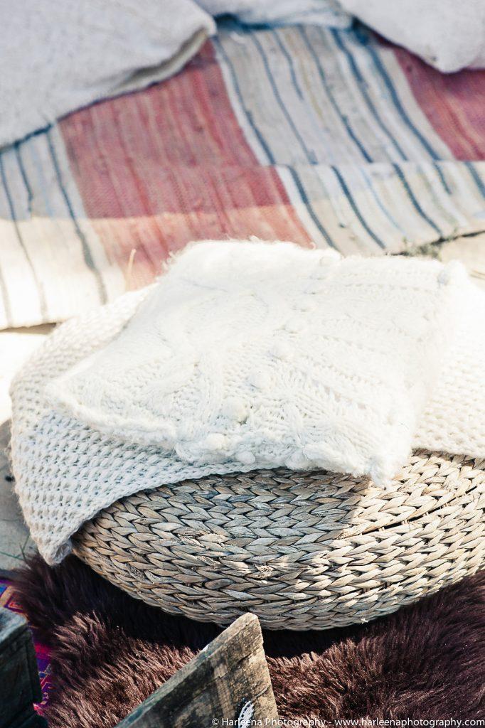 décoration bohème pouf et coussin