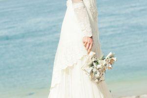 robe-mariee-boheme-santana-photo-bouquet