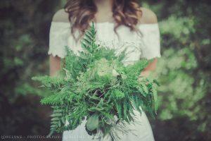 robe-simple-bouquet-mariee