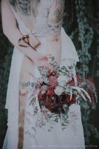 shooting-inspiration-mariage-boheme-foret-bouquet