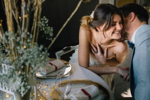 mariage-chic-gabriel-bordeaux-table-maries