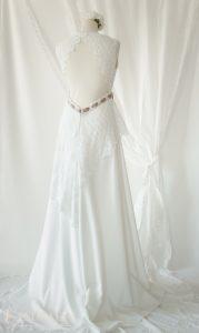 Robe de mariée champêtre bohème RiRobe de mariée champêtre bohème Ribyele dos
