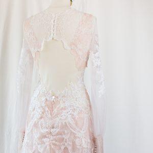 robe de mariée féerique sur mesure à Bordeaux - détail du dos