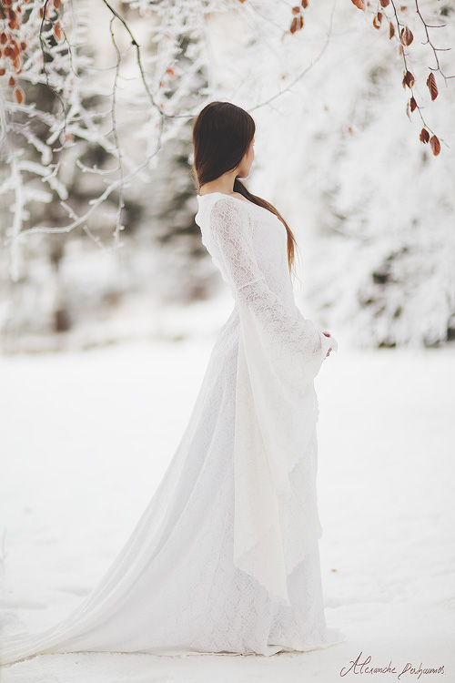 robe de mariée médiévale en dentelle Dame Blanche