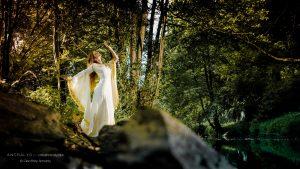 robe de mariée médiévale en dentelle Dame Or