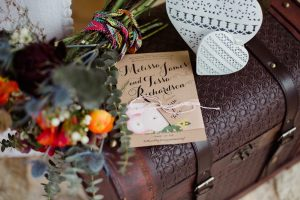 Inspiration-mariage-boho-chic-coffre-vintage