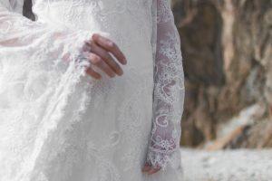 robe-elfique-bordeaux-dentelle