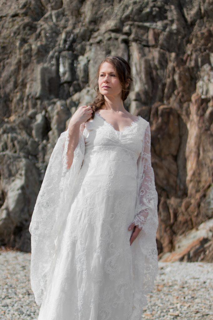 robe-mariee-elfique-blanche-dentelle