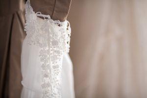 robe-de-mariée-pour-la-mairie-détail-manche