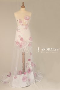 Robe de mariée blanche et rose