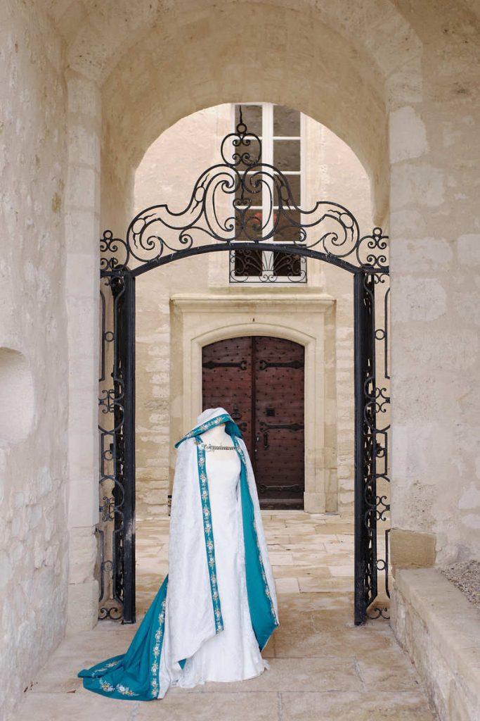 cape de mariee medievale