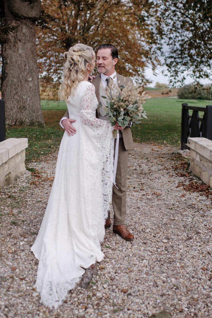 robe de mariee medievale Adrielle au chateau La Tour Carnet