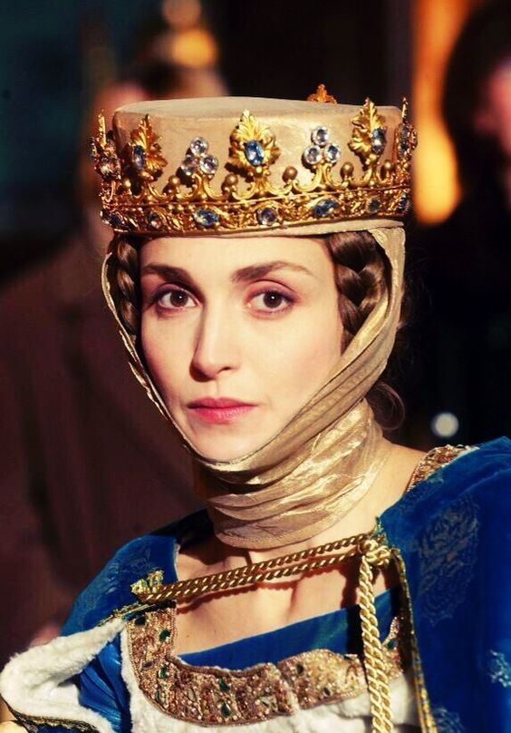 Coiffe-mariage-medieval-reine-les-rois-maudits