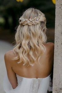 Coiffure-mariage-nature-cheveux-mi-long