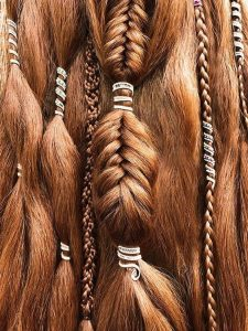 Coiffure-mariage-viking-tresse