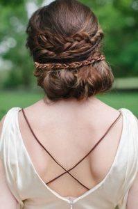 Coiffure-mariee-medievale-cheveux-mi-longs