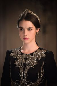 reign-personnages-series-costumes-mariee