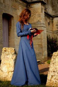 robe de mariée médiévale dame rouge - robe intérieure
