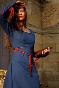 robe-medievale-bleue-roi
