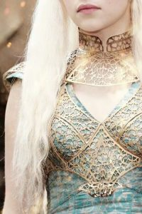 daenerys-outfit-medieval-fantasy